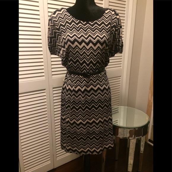 jonathan martin Dresses & Skirts - Jonathan Martin Zigzag Print Dress